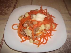 Кальмары с корейской морковью и сыром