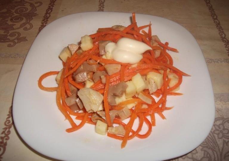 Кальмары с морковью и сыром